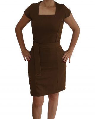 Vestido Marrom Tubinho Decote Quadrado com cinto