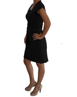 Vestido Preto Tubinho Decote Quadrado com cinto